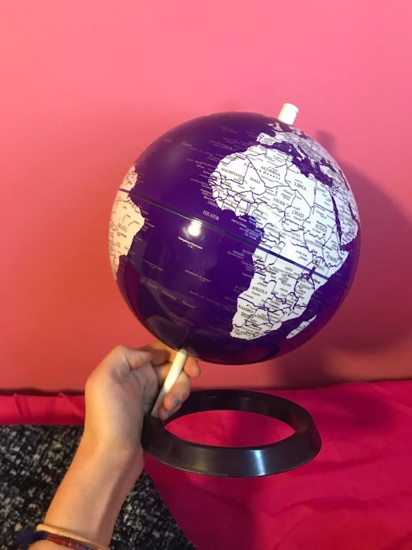 Pretty purple world globe f9189fc3-284b-4696-b75f-5d83ab083639