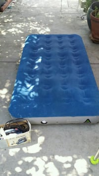 Blow up air mattress with pump Los Angeles, 91335