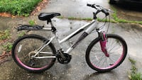 white and red hardtail mountain bike Gainesville, 32607