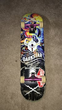 Darkstar skateboard with thunder trucks only uses a few times  Vernon, V1T 6A1
