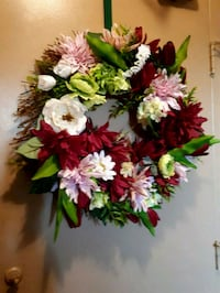 """Gorgeous & full 18"""" grapevine and flower wreath Barrie, L4N 2T9"""