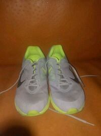 pair of gray-and-green Nike running shoes Aloha, 97006