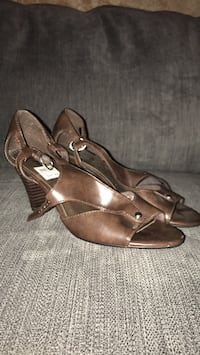 pair of brown leather open-toe heeled sandals Socorro, 79927