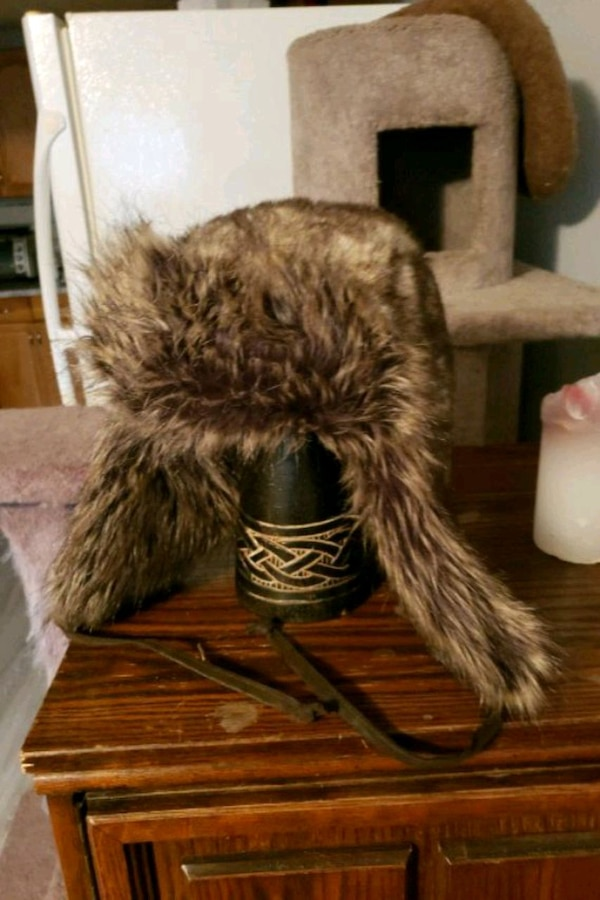 Faux fur hat brand new never worn 0