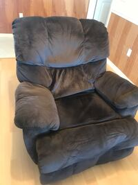 Oversized brown micro suede manual recliner. Excellent condition. No -smoking home Lakeland, 33801