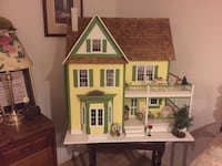yellow, green, and brown wooden house miniature Beacon, 12508