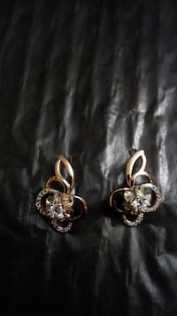 Earrings   gold plated (new)