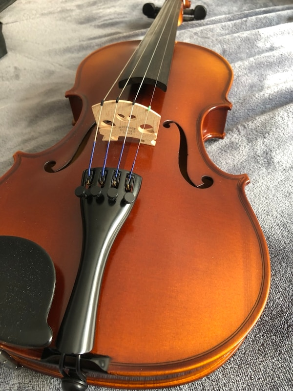 FULL SIZE VIOLIN USED ONCE