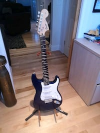 Hardly used Fender Squire with stand!  Barrie, L4N 3T2