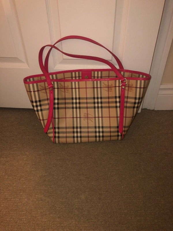 1:1 Burberry bag ea32082d-5227-4f1f-a30d-e5af8f0cd716