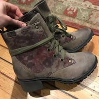 Roxy Boots West Vancouver, V7S 1P5