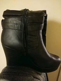 pair of black leather boots Acton, L7J 1X3