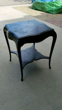 Queen Anne End table Berthoud, 80513