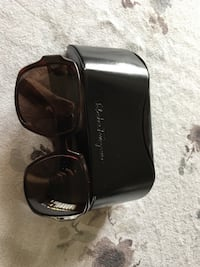 Real ferragamo women's sunglasses only worn once no scratches. Toronto, M3H 4R4