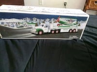 Hess truck toy with box Washington, 20002