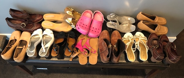 Bulk 13 pair shoe lot . Mostly size 7 , and 8 5a35ca53-17b6-4abb-8581-6b9d148b6d76