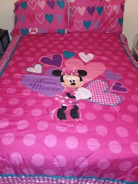 Minnie Mouse comforter set