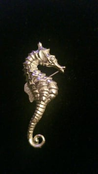 Sterling silver seahorse pendant by Beau Hyattsville, 20784