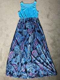 Women's Size Medium Maxi Dress- Never worn