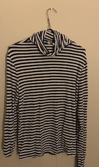 H&M striped turtleneck Burnaby, V5E 0A4