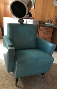 VINTAGE HAIR SALON CHAIR WITH DRYER Guelph, N1G 3E4