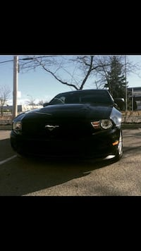 Selling mustang v6 2012 3.7L Montreal