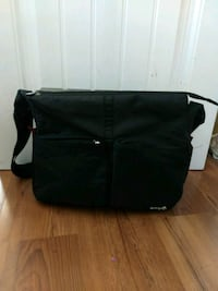 Diaper bag / Sac a couches Safety 1st