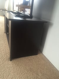 Tv stand  Chicago, 60601
