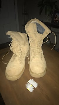 Bates Army Boots size 12 Edgewood, 21040