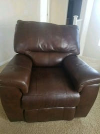 Leather chair. Very comfortable. Good quality  Las Vegas, 89131