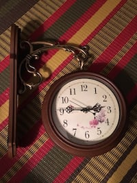 Double sided hanging clock Toronto, M2M 2A3
