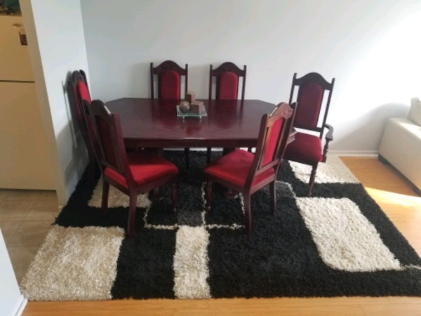Cherry wood dining table with six chairs end price negotiation b62846ef-b838-4aa4-adf3-e0c9363895cd