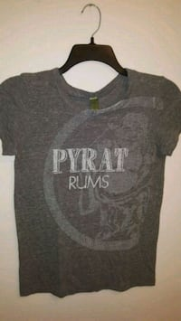 Shirt size medium... porch pick up in Mounds View... Mounds View, 55112