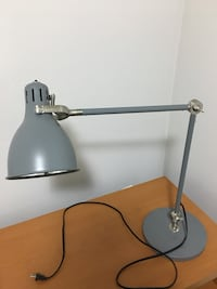 stainless steel base white shade table lamp 伯納比, V5G 2A1