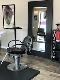 Hair Salon Station Rental La Grange