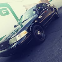 Ford - Crown Victoria - 2009
