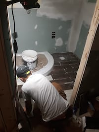 Contracting bathroom remodeling  Silver Spring