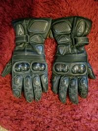 Leather motorcycle gloves. Full gauntlet. Size M Coquitlam