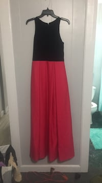 halter top. worn once  size 2 in womens  Tyler, 75701