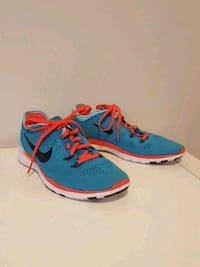 pair of blue-and-red Nike running shoes Toronto, M1S 2V9