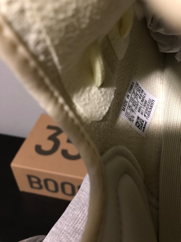 Used Yeezy Boost 350 V2 Butter for sale in Pasadena - letgo 6e7bad6e5