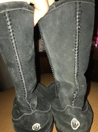 Bearpaw quality boots will not ever find these this cheap  Myrtle Beach, 29577