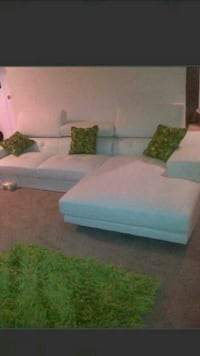 White sectional $350 Guelph, N1E 7C8