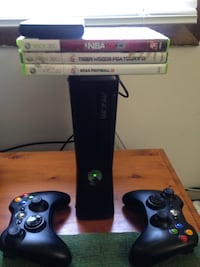 XBOX 360 with 3 games and a portable hard drive ! Terre Haute, 47802