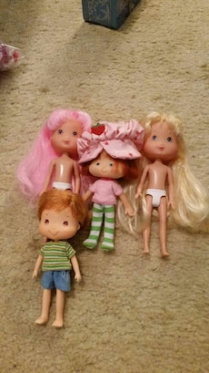 Strawberry shortcake dolls in great shape