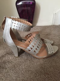 Ladies Silver Leather Sandals