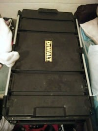 Dewalt tool box Mobile