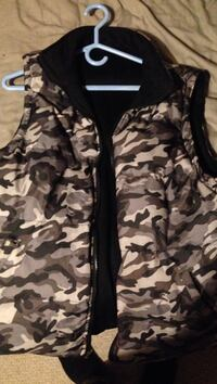 Black and brown camouflage zip-up jacket