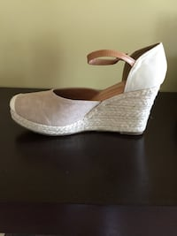 Brand new never been worn beige Espadrille shoes women's size 10.5 Manalapan, 07726