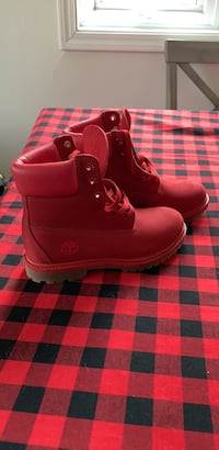 cherry red timberlands woman's 5
